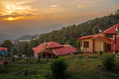 2 Bedroom Cottage | Mesmerizing View Chail