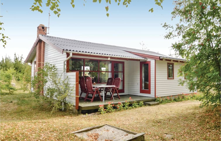 Holiday cottage with 2 bedrooms on 65m² in Løgstør