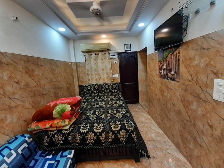 OYO premium suite with attached kitchen & washroom