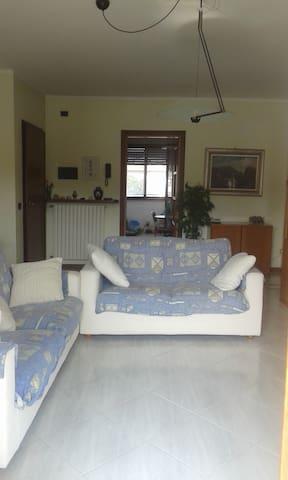 DESENZANO CENTRO CON PARCHEGGIO - Desenzano del Garda - Condominio