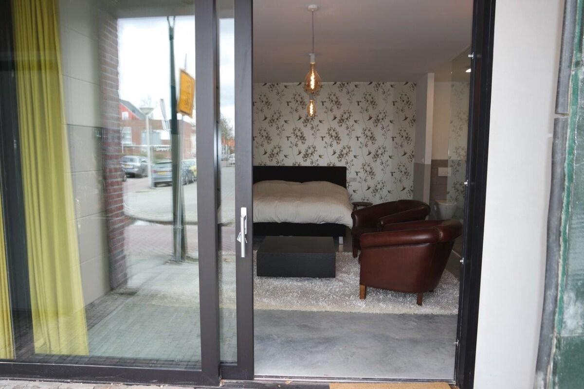 Garage Huren Eindhoven : New garage studio min walk from central station appartementen