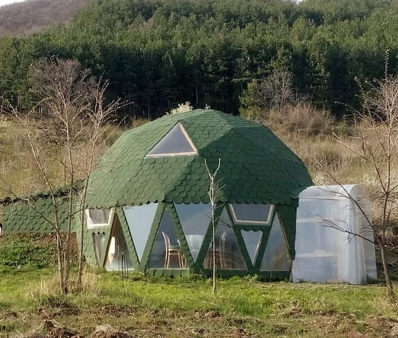 Geodesic dome cabin in the Valley of Roses