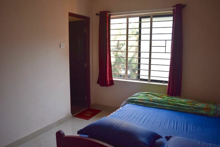 Room 2 : Double bedroom for 2 guests