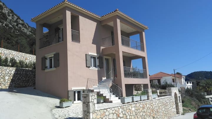Brand new modern house close to the sea