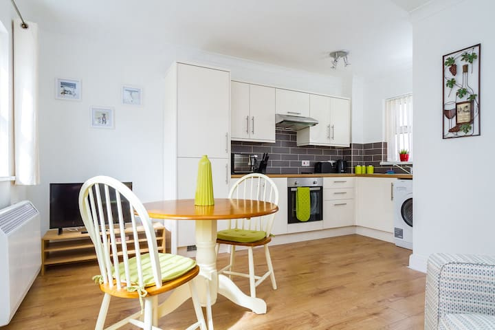 Superb flat in vibrant Canton - Cardiff