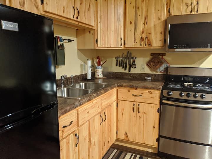 Ott's Cozy Suite -- quiet, comfy, place to meet!