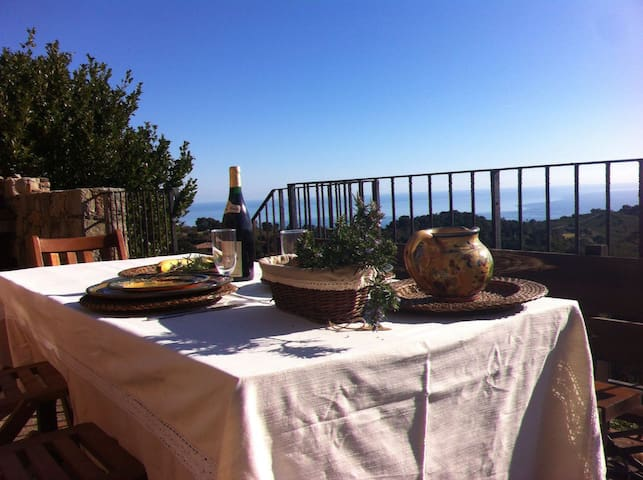 Villa avec vue panoramique Mer(Solenzara)-Montagne - Ventiseri - House