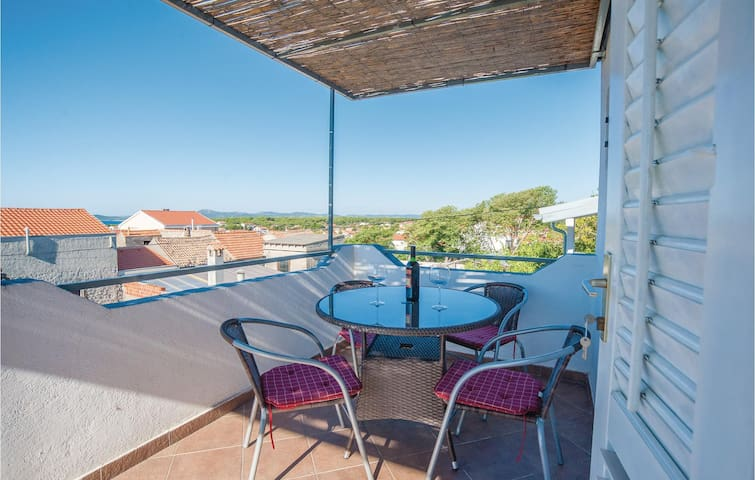 Holiday apartment with 1 bedroom on 27m² in Pakostane