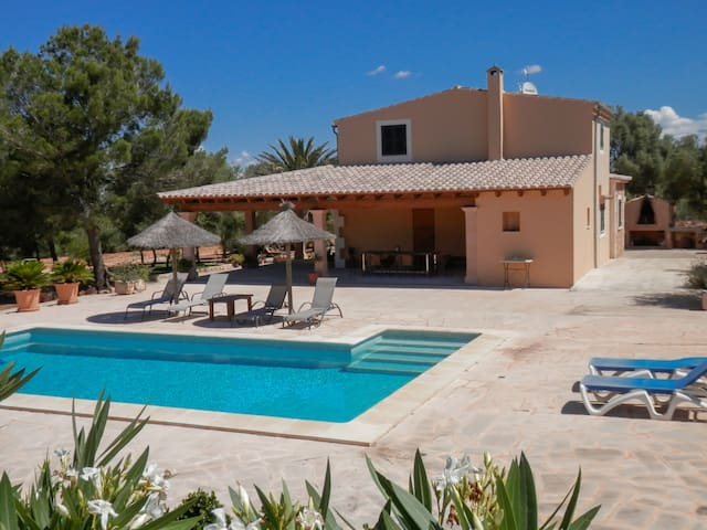 Hermosa casa con piscina privada - แคมโปส - อพาร์ทเมนท์
