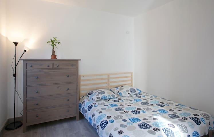 Studio Refait à neuf en bord de mer - Hyères - Appartement