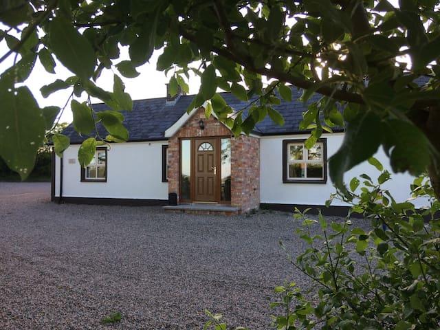 Scarlett Rose Cottage