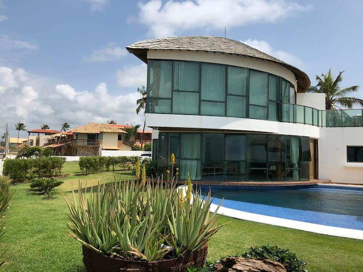 Casa exclusiva à beira mar