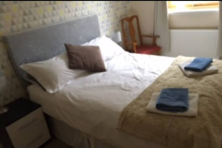 Stylish Double bedroom in Kyle of Lochalsh