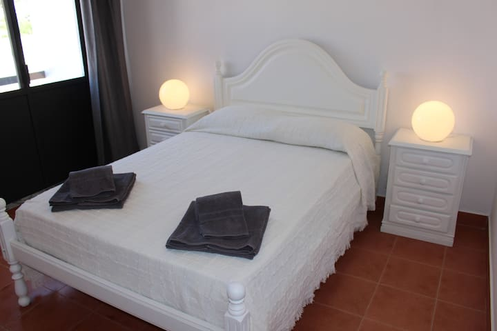 Praia do Carvalhal Rooms Quarto cast. Comporta 1