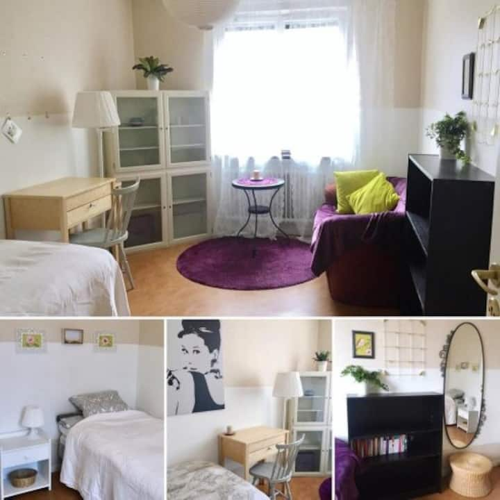 Room2, for GIRL,  minimum 5month from 1st of Oct.
