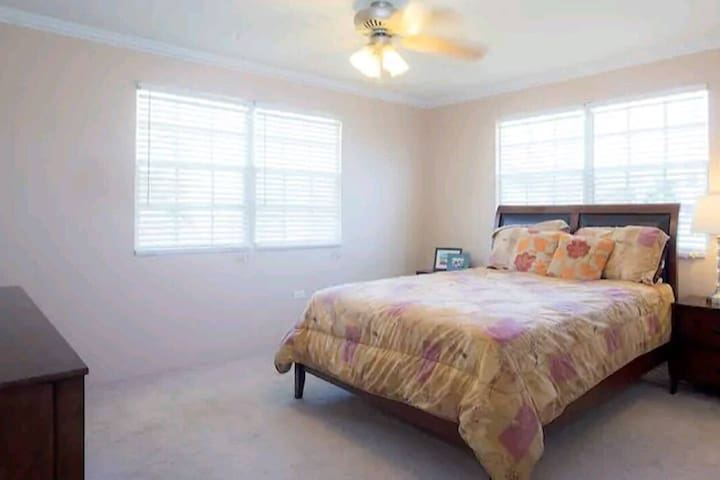 Cozy,Serene,Outdoorsy,Spacious in Grand Cayman (L)
