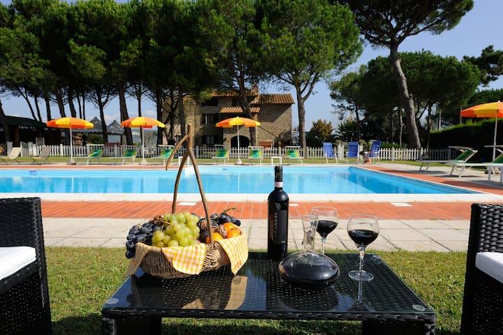 Romantic apartment for couples - Il Girasole - Ferretto