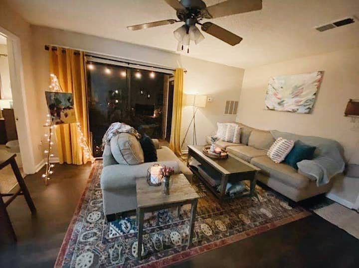 Centrally-located Artsy Apartment