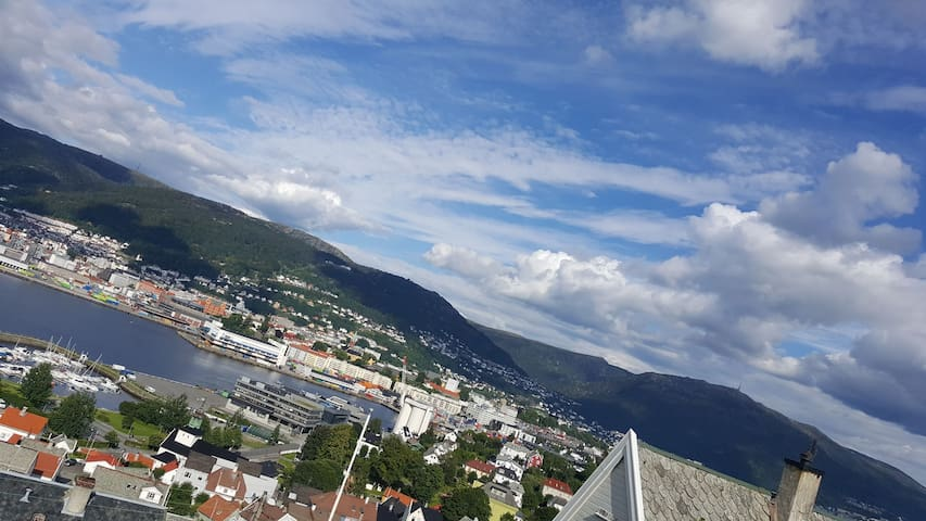 Perfect 2 rooms, with a great view over Bergen.