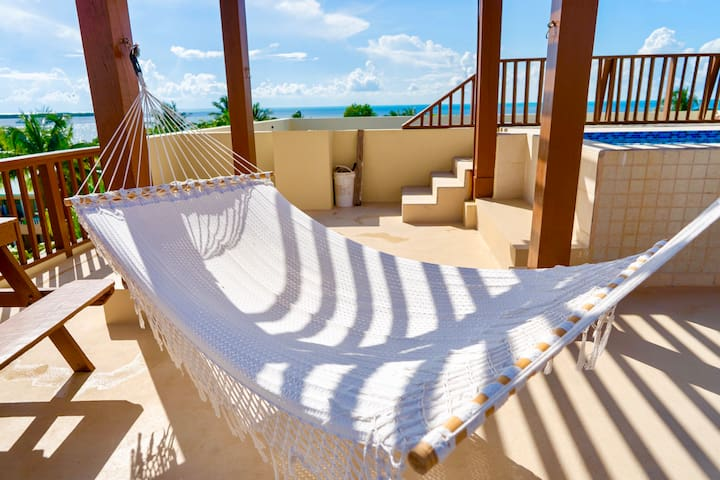 Caye Reef Ocean view 1st floor 2 bedroom apartment