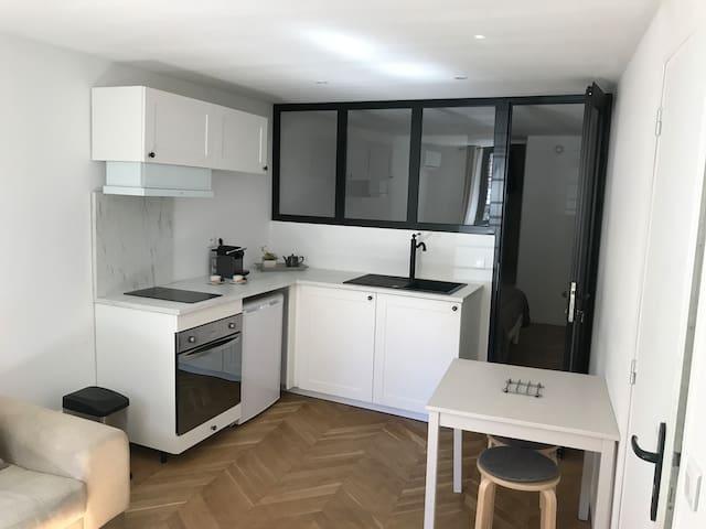 Très jolie appartement au pied de notre Dame