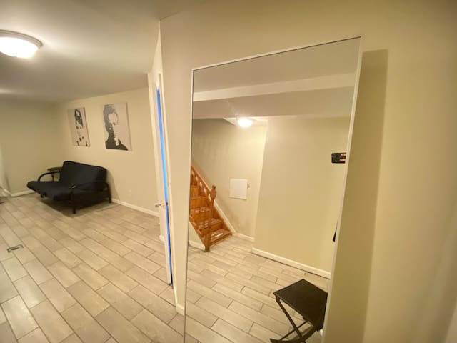 MG-F- Large and great room in Brooklyn