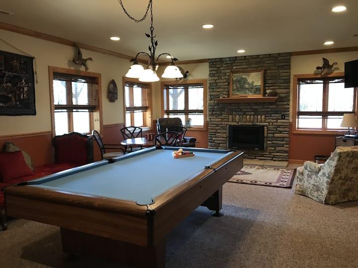 NEW LISTING! Pinnacle Point-Pool Table, Hot Tub, Horse Barn