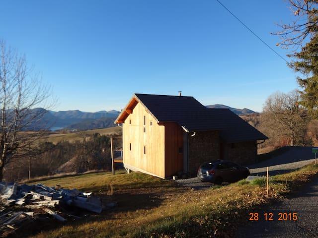 Entre lac et montagne - Réallon - House