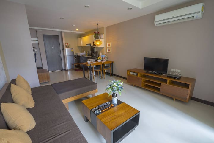 79-sqm 1BR on Nimman - completely hassle free!
