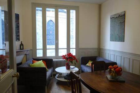 chambre dans une maison de ville - Puiseaux