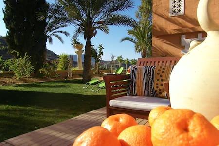 Finca - Naranja - Mula - Haus