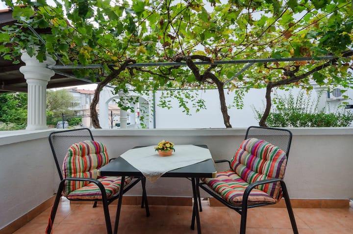 Studio Apartment, 100m from city center, seaside in Lopar - island Rab, Terrace