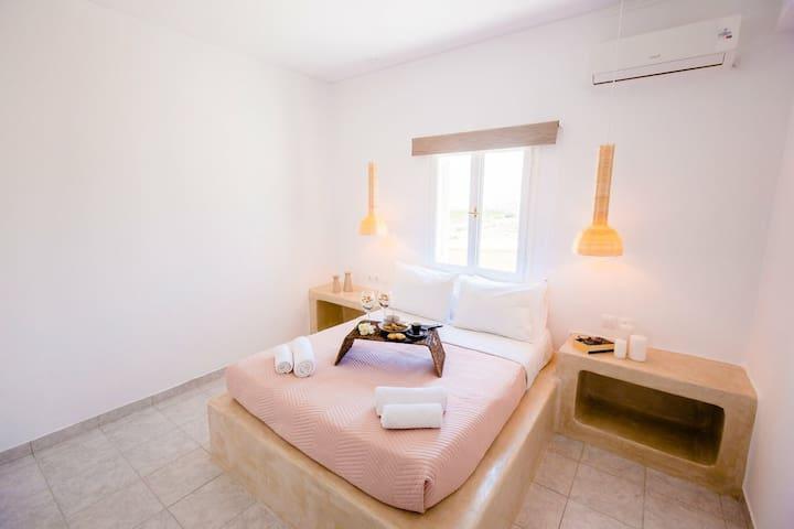 Santorini's Sapphire House