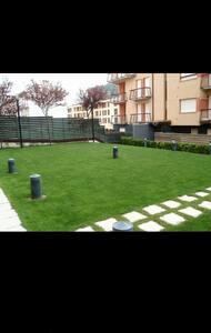 Apto. con piscina y parking - Ezcaray