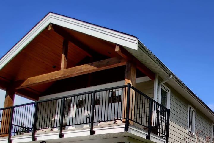Squamish Apartment Loft - Great Location