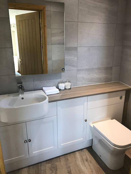 Earsdon Annexe, Bathroom