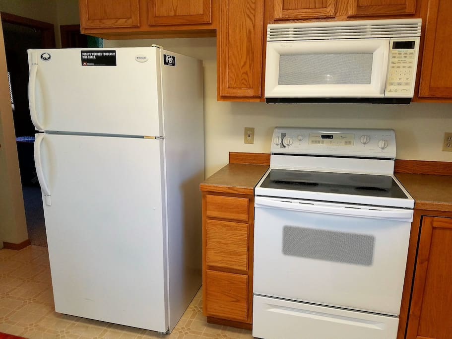 Full size kitchen appliances.