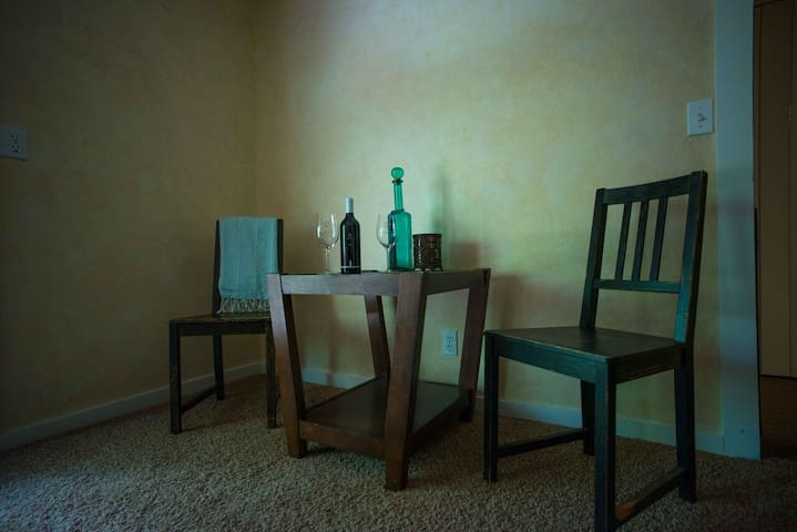 Enjoy a glass of wine from the local wineries or dinner with the in room sitting area.