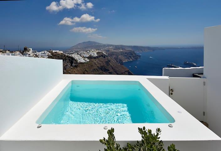 Olia Drop, one bedroom , jacuzzi, amazing view
