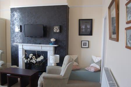 Scorsby's Nest - Spacious  apartmnt - Whitby