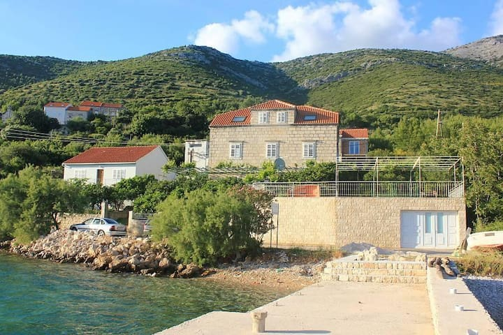 Two bedroom apartment near beach Kučište, Pelješac (A-10095-b) - Kučište - Apartemen