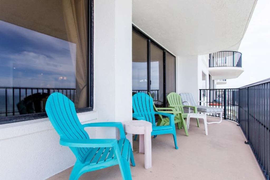 LARGE Ocean Front Balcony w direct, unobstructed views!