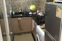 Cosy room available in  flatshare on Hollywood Rd