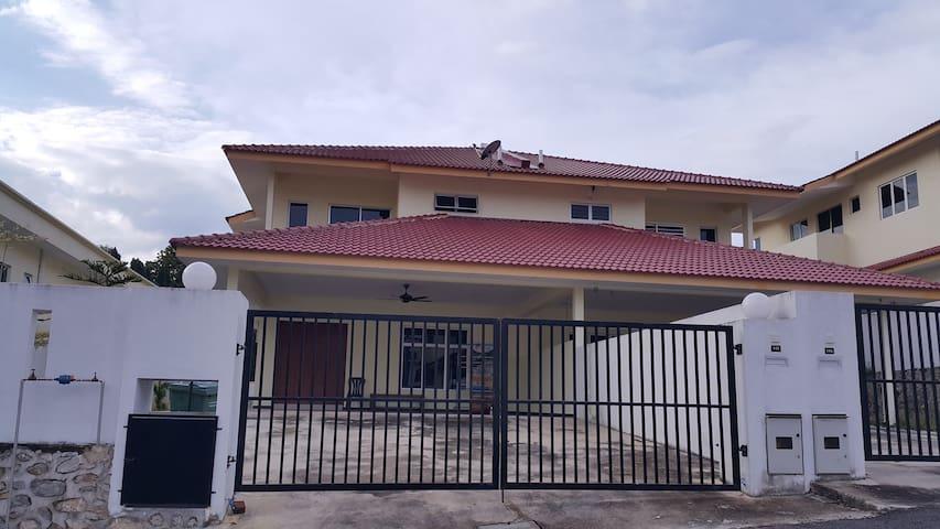 Bentong Taman Mutiara Height Homestay - Bentong - Casa