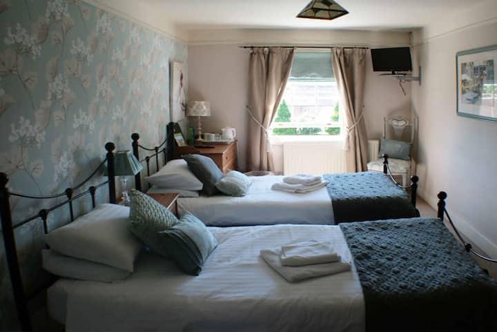Room 4 - 1 Park Row Guesthouse