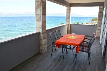Dubas Three-Bedroom Apartment with Sea View