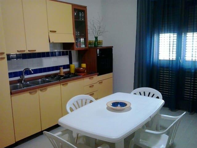 Appartamento Sicilia Triscina mare - Triscina - Huoneisto