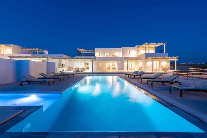 Zorbas' Seaview Villa 1