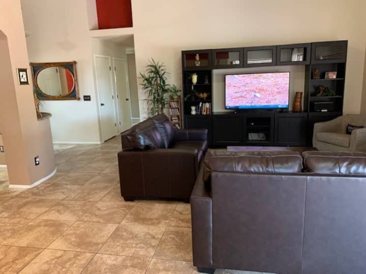 Tucson Private Home. Close to lots of  services.