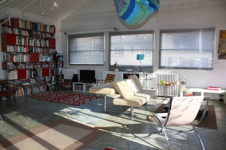 Beautiful Loft of 200m2 with terrace in 150m of Pa